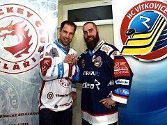 Kamarádi jako soupeři. V očekávaném hokejovém derby proti sobě nastoupí i oba kapitáni a velcí přátelé Zbyněk Irgl z Třince (vlevo) a Jan Výtisk z Vítkovic.