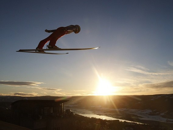 Skokany už v Lillehammeru počasí netrápilo. Roman Koudelka toho využil a skončil čtvrtý
