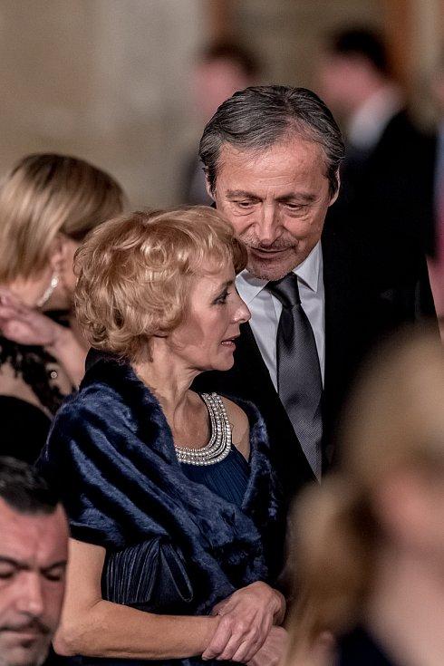 Prezident Miloš Zeman na státní svátek 28. října předával státní vyznamenání ve Vladislavském sále Pražského hradu. Stropnický, Žilková