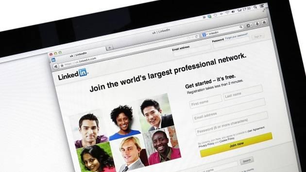 Sociální síť LinkedIn. Ilustrační foto.