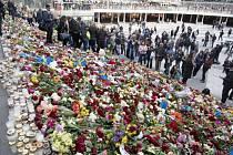 Útok ve Stockholmu. Lidé uctili památku obětem