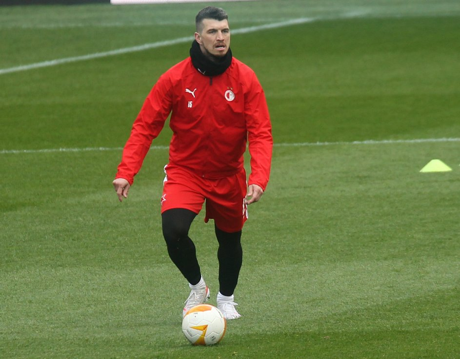 Trénink před zápasem Slavia - Arsenal: Ondřej Kúdela v Edenu nechyběl