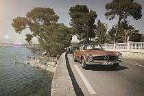 Klasický Mercedes-Benz SL.
