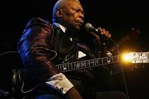 """Nejslavnější bluesman světa B. B. King vystoupil 15. července 2009 v pražské Tesla Aréně. Koncert byl avizovaný jako """"poslední koncert"""" žijící legendy blues."""