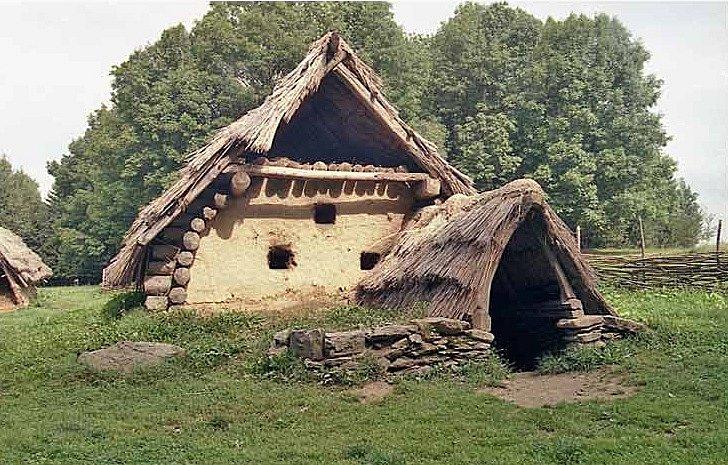 Jako ve středověku si budete připadat v dobovém skanzenu Villa Nova. V Uhřínově v Orlických horách uvidíte rekonstrukci středověké vesnice ze třináctého a čtrnáctého století.