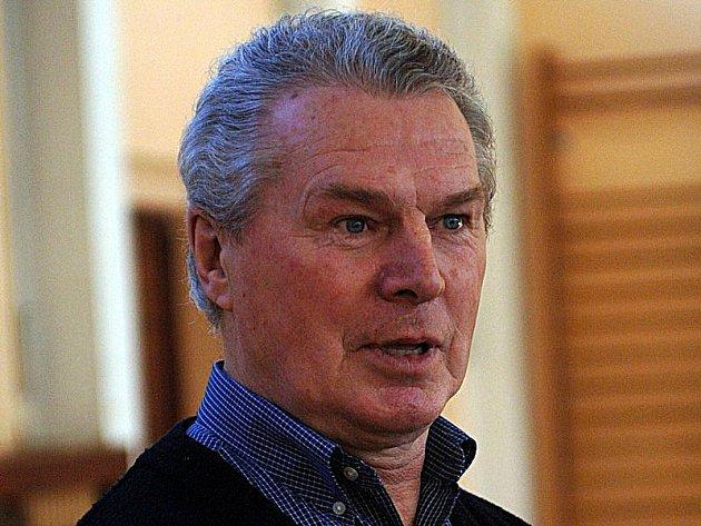 Legendární hokejový bek František Pospíšil.