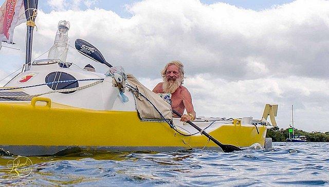 Aleksander Doba, 70letý cestovatel, který již potřetí přeplul Atlantik na kajaku.