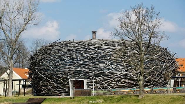 Rekreační areál Čapí hnízdo u Olbramovic na Benešovsku.