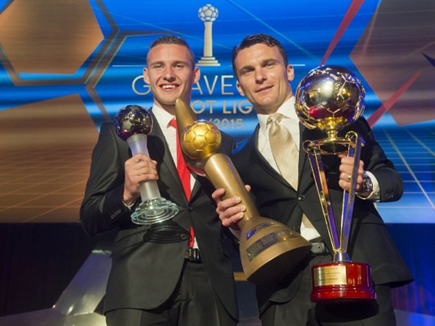 Pavel Kadeřábek (vlevo) byl zvolen nejlepším hráčem české ligy, David Lafata získal Zlatý míč pro nejlepšího českého fotbalistu.