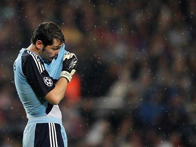 Zklamaný brankář Realu Madrid Iker Casillas.