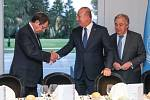 Jednání v Ženevě; Nikos Anastasiadis, Mustafa Akinci, António Guterres (zleva doprava)