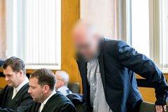 Chamtivý lékárník u essenského soudu