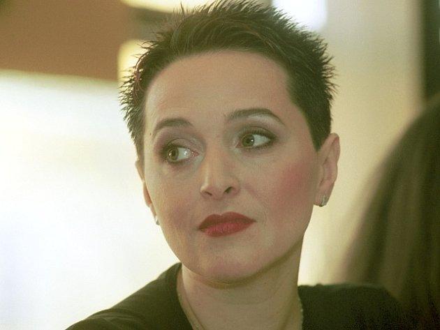 Yvetta Tannenbergerová na tiskové konferenci v Praze, na níž byla 5. února oznámena její nominace na cenu Thálie za rok 2001 za mimořádný jevištní výkon v opeře.
