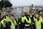Ve Francii se protestuje proti růstu cen pohonných hmot