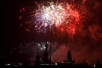 Velký novoroční ohňostroj se konal 1. ledna v Praze.