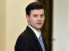 Bývalý hradní právník Pavel Hasenkopf u soudu. Ilustrační foto.