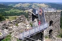 Vyhlídka na zřícenině hradu Tolštejn