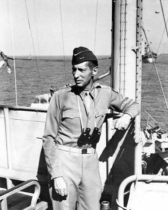 Generál Mark Wayne Clark v roce 1943