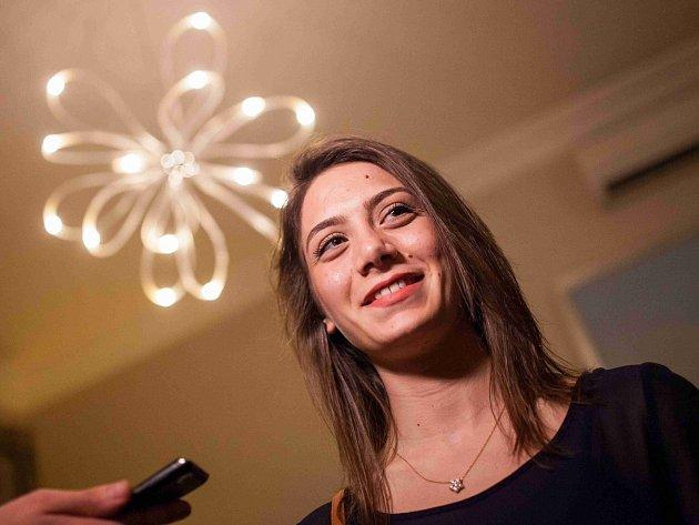 Betty Zerounianová bude studovat manažerské informační systémy. Její rodina patří k menšině syrských Arménů.