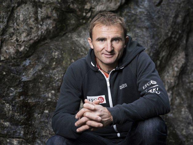 Legendární horolezec Ueli Steck.