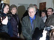 Jiří Kajínek, kterého soud v roce 1998 poslal na doživotí do vězení za dvojnásobnou vraždu, se ani v pondělí 28. března 2011 nedočkal nového soudu. Krajský soud v Plzni opět zamítl jeho žádost o obnovu řízení procesu. Zastupoval ho advokát Tomáš Zejda.