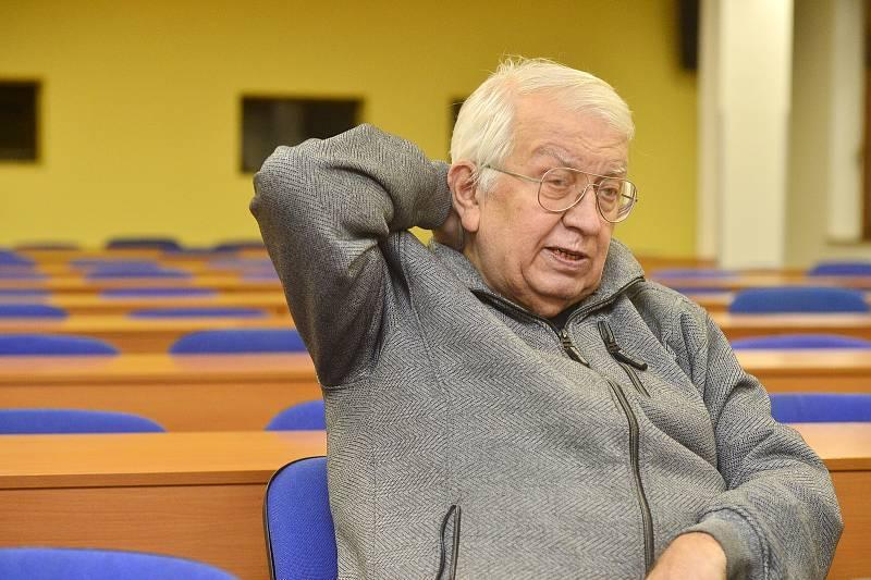 Václav Žák při rozhovoru pro Deník