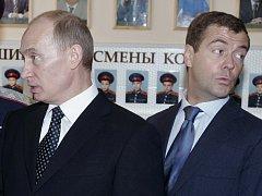 Vladimir Putin a Dmitrij Medveděv.