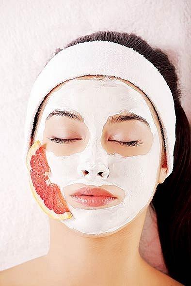 Máte doma pomeranč? Připravte si čisticí pomerančovou masku.
