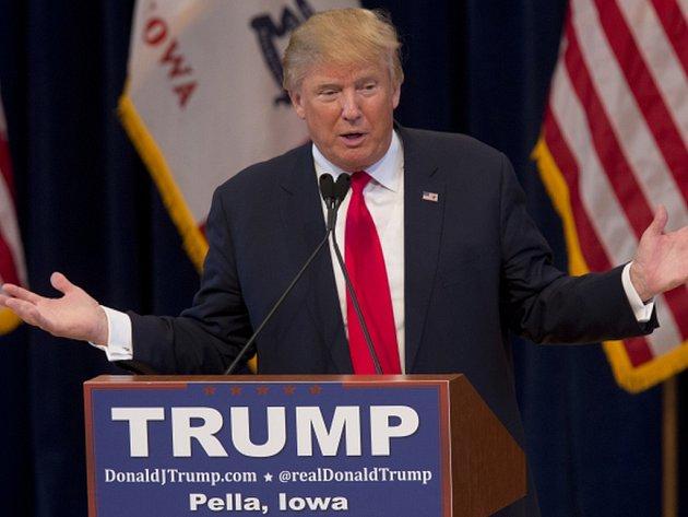 Důvěru v oddanost svých podporovatelů vyjádřil v sobotu favorit na republikánskou nominaci do boje o Bílý dům Donald Trump.
