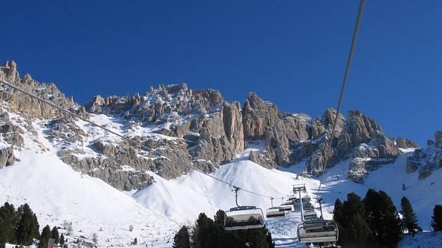 Italská zimní střediska jako Val di Fiemme teď nabízejí ideální lyžování.
