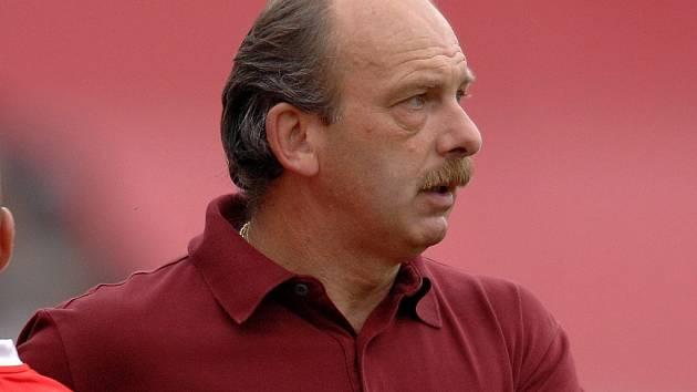 Trenér Stanislav Levý vydržel ve Zlíně jen dva měsíce. Vedení klubu ukončilo s 50letým koučem i jeho asistentem Zdeňkem Bečkou spolupráci.
