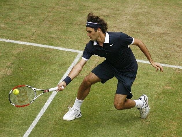 Roger Federer postoupil na turnaji v německém Halle do finále.