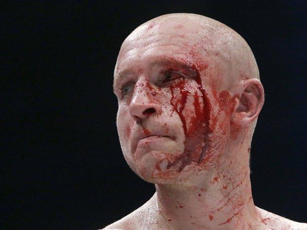 Boxer Lukáš Konečný souboj o mistra světa se Zaurbekem Bajsangurovem prohrál.