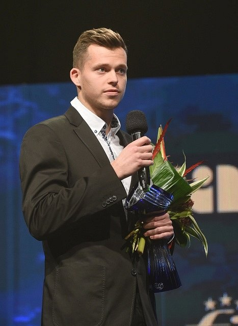 Adam Pavlásek převzal cenu za postup na žebříčku ATP.