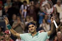 Oslavenec Roger Federer na turnaji v Torontu.