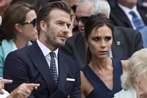 Fotbalová ikona David Beckham s manželkou Viktorií na finále Wimbledonu.