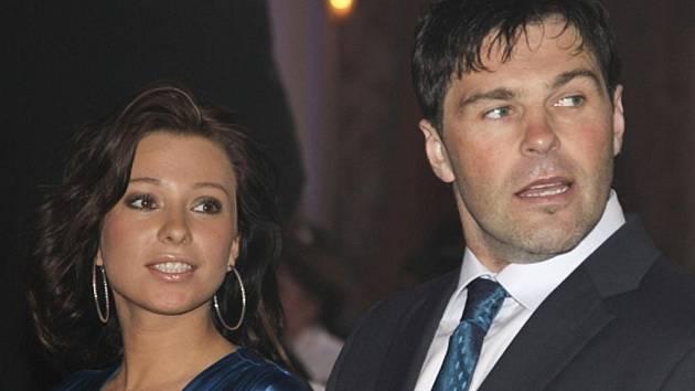 Jaromír Jágr s přítelkyní Innou na slavnostním vyhlášení Zlatá hokejka.