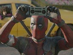 Pokračování úspěšného hitu Deadpool z roku 2016 opět slibuje hlášku za hláškou.