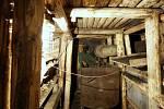 Po stopách horníků. V podzemní štole na Landeku se dozvíte všechno o tvrdé dřině horníků dobývajících uhlí.