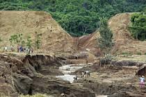 Na východě Keni se protrhla přehrada
