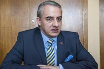 Josef Středula, předseda ČMKOS, poskytl 5. dubna v Praze rozhovor Deníku. Foto: Deník/Klára Cvrčková