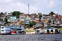 Město Manaus se pyšní velkým říčním přístavem