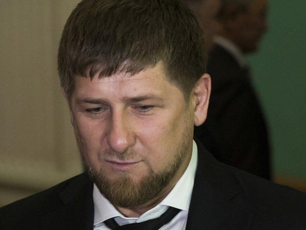 České ministerstvo financí (MF) zadrží v rámci protiruských sankcí případné zisky dostihové stáje čečenského prezidenta Ramzana Kadyrova.