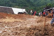 Sesuv půdy v indonéské vesnici Sirnaresmi