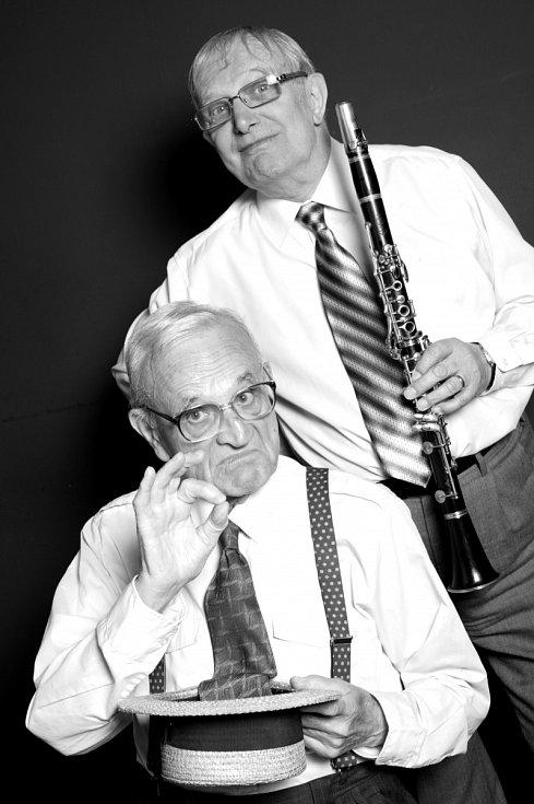 S FERDINANDEM HAVLÍKEM. Jazzman k pohledání a plnohodnotná náhrada za šlitrovskou melodiku. Publikum si na nového skladatele semaforských písní chvíli zvykalo, recesista Ferdinand Havlík to však u diváků vyhrál.
