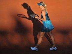 Maria Šarapovová se vrátila na světové dvorce ve výborné formě. Na Roland Garros postoupila do osmifinále.