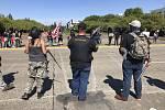 Příznivci prezidenta Donalda Trumpa a demonstranti z hnutí Black Lives Matter (Na černošských životech záleží) se střetli 7. září 2020 v americkém Salemu