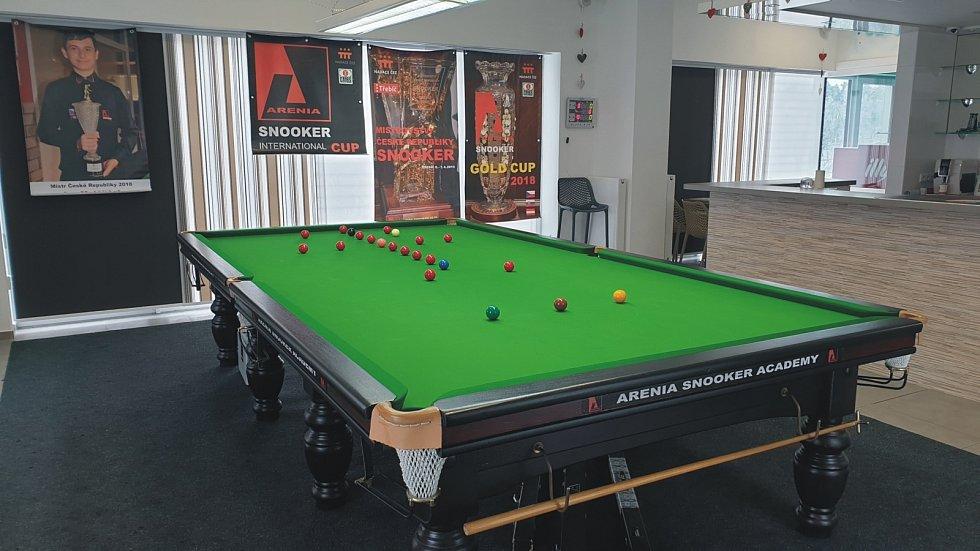 Snookerový stůl v třebíčské snooker akademii.