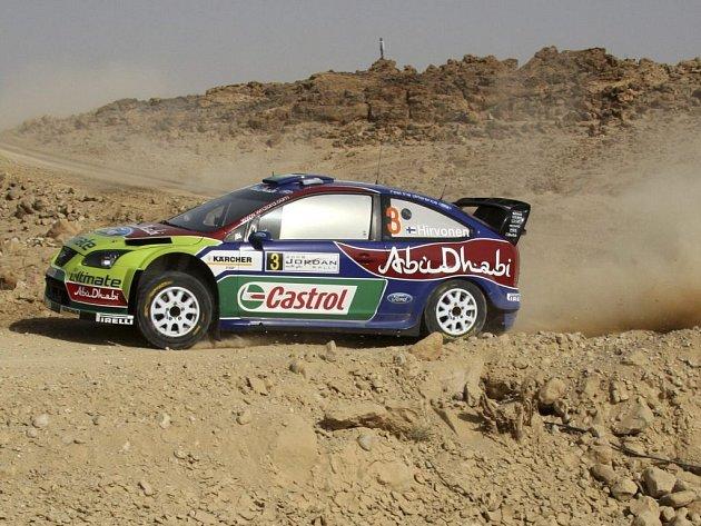 Mikko Hirvonen na trati Jordánské rallye.
