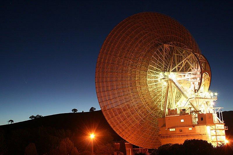 DSS-43 je v současnosti jediná anténa na Zemi schopná dosáhnout svým signálem až k vesmírné sondě Voyager 2